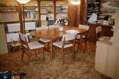 Here Are Photos Of A Round Table And Chairs From The Transitional Line For Sale On E Bay March 2002